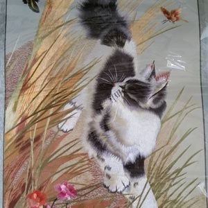 Cat embroidery silk art